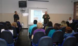 Rolando Roebbelen apresenta Voluntários do Rio aos professores